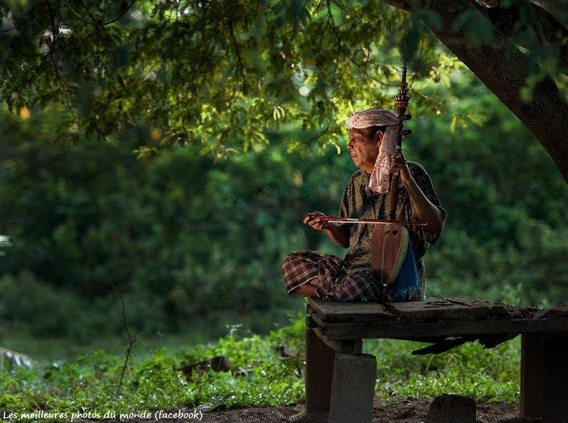 Bien vivre la solitude dans Bien vivre la solitude 560412_197121667076502_50780784_n
